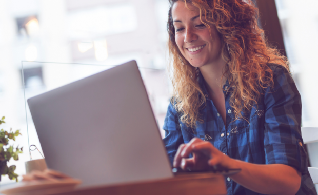 freelance time tracking lady with computer